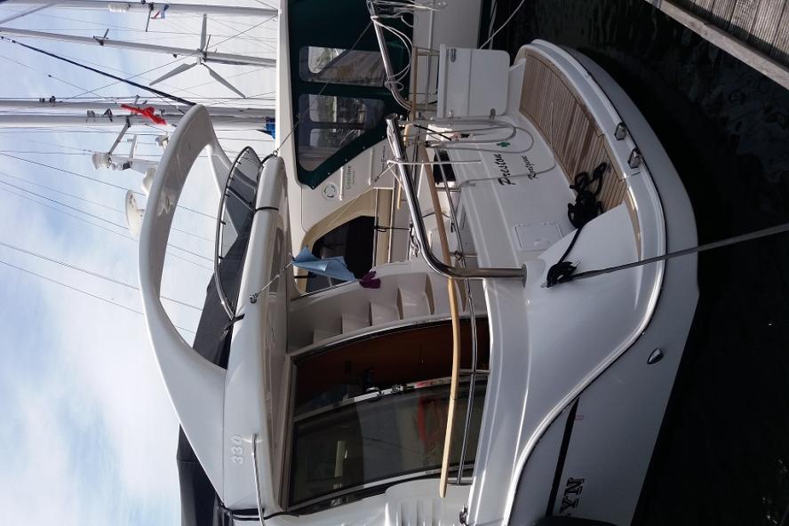 Galeon - 330 FLY (2)