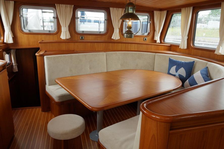Altena - Blue Water Trawler