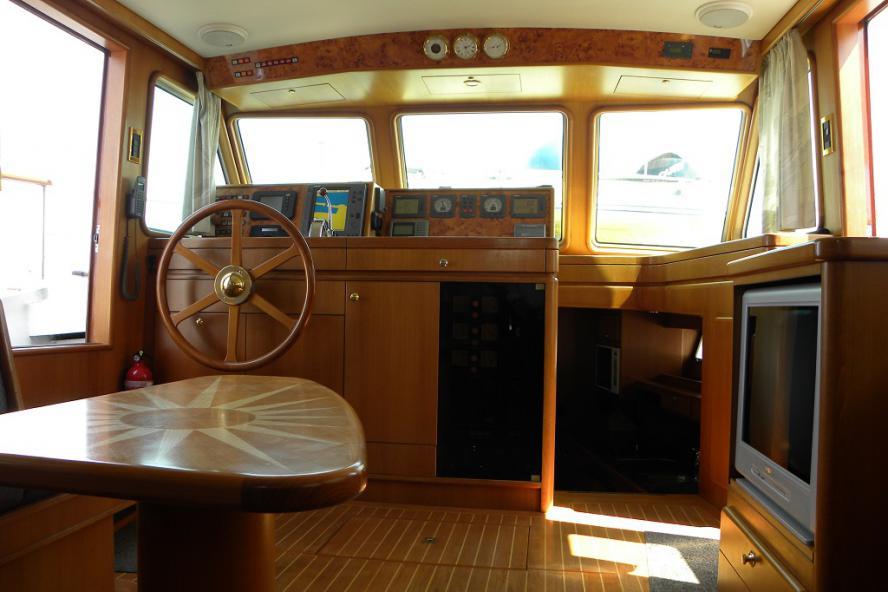 Classic Motor Yacht - Thalassa